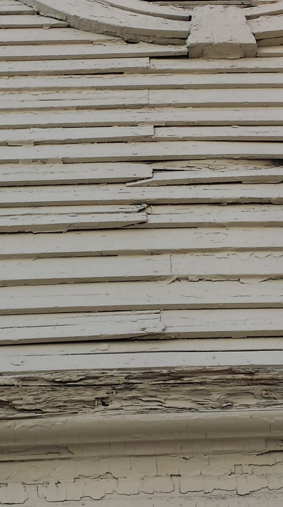 'Skyved joints on close laid clapboards